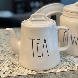 Rae Dunn • TEA Teapot